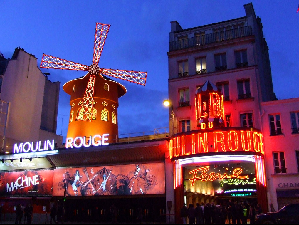 Moulin Rouge le soir